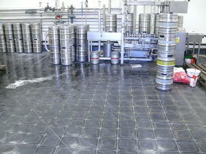 Pivovar Cvikov plnění sudů